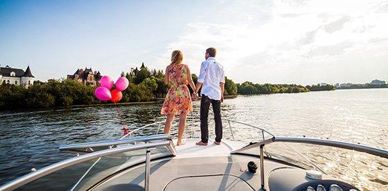 Романтическое свидание на яхте в Москве