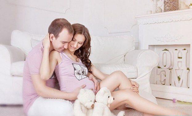 фотосессия для беременных с мужем в студии