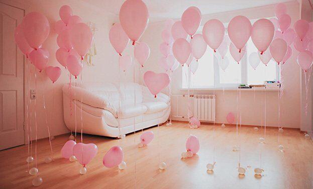Фото комнаты с гелиевыми шарами