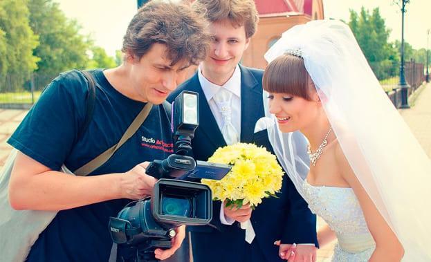 Фото видеооператора на свадьбе