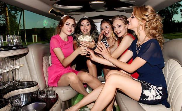 Фото девичника в лимузине