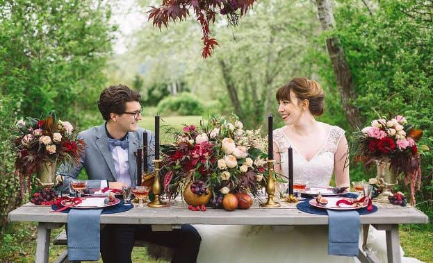 Фото стола молодожен на свадьбе