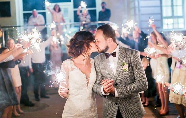 Фото свадьбы с бенгальским огнем