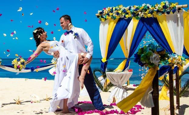 Фото танца невесты и жениха на пляже