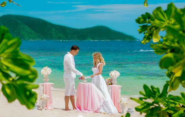 Фото свадьбы на морском побережье