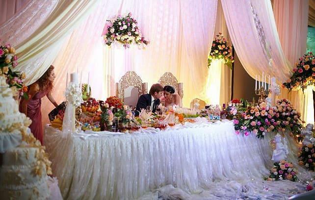 Фото шикарного свадебного стола
