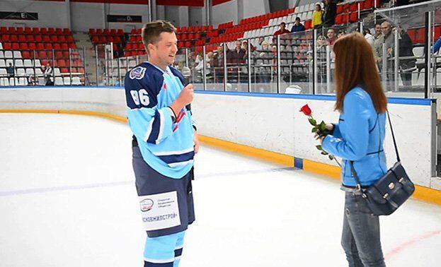 сделать предложение на хоккейном матче