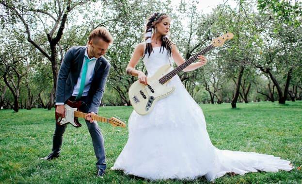 Фото молодожен с гитарами