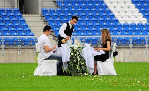 свидание на стадионе