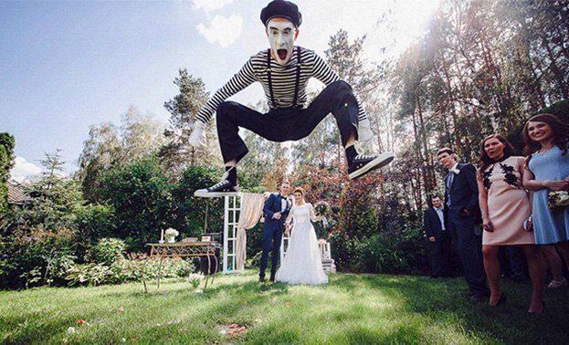 Фото мима на свадьбе