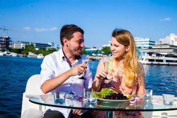 заказать организацию романтического свидания на яхте