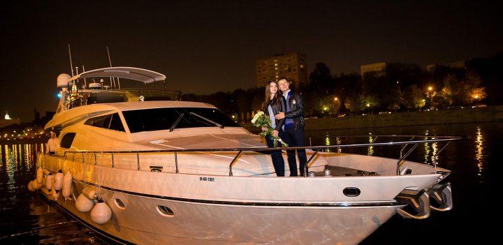 организация романтического свидания на яхте для двоих
