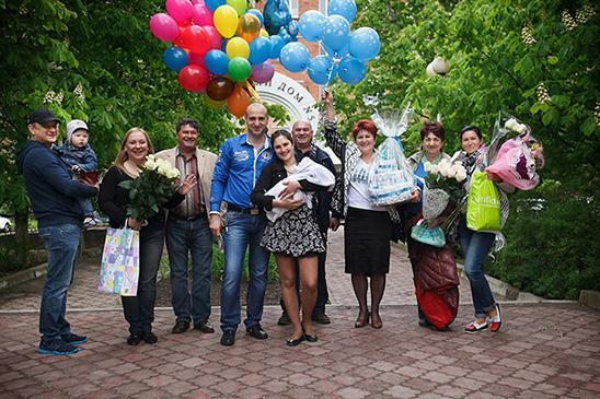 Выписка из роддома в Москве